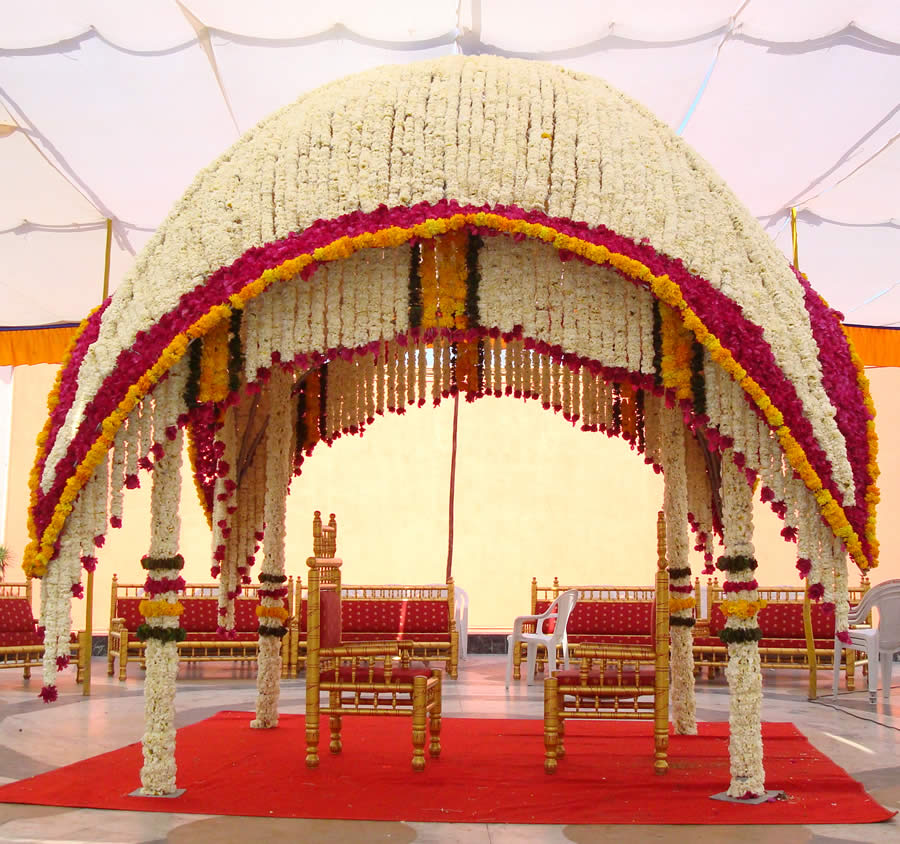 Photo gallery of party plot with decoration maa party for Hall decoration items